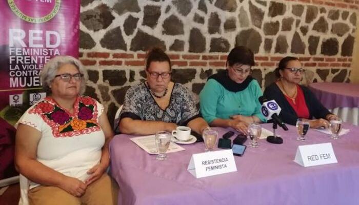 Señalan vulneración de derechos de trabajadoras despedidas, algunas en estado de embarazo